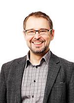 Kannustaloedustaja Petri Noponen