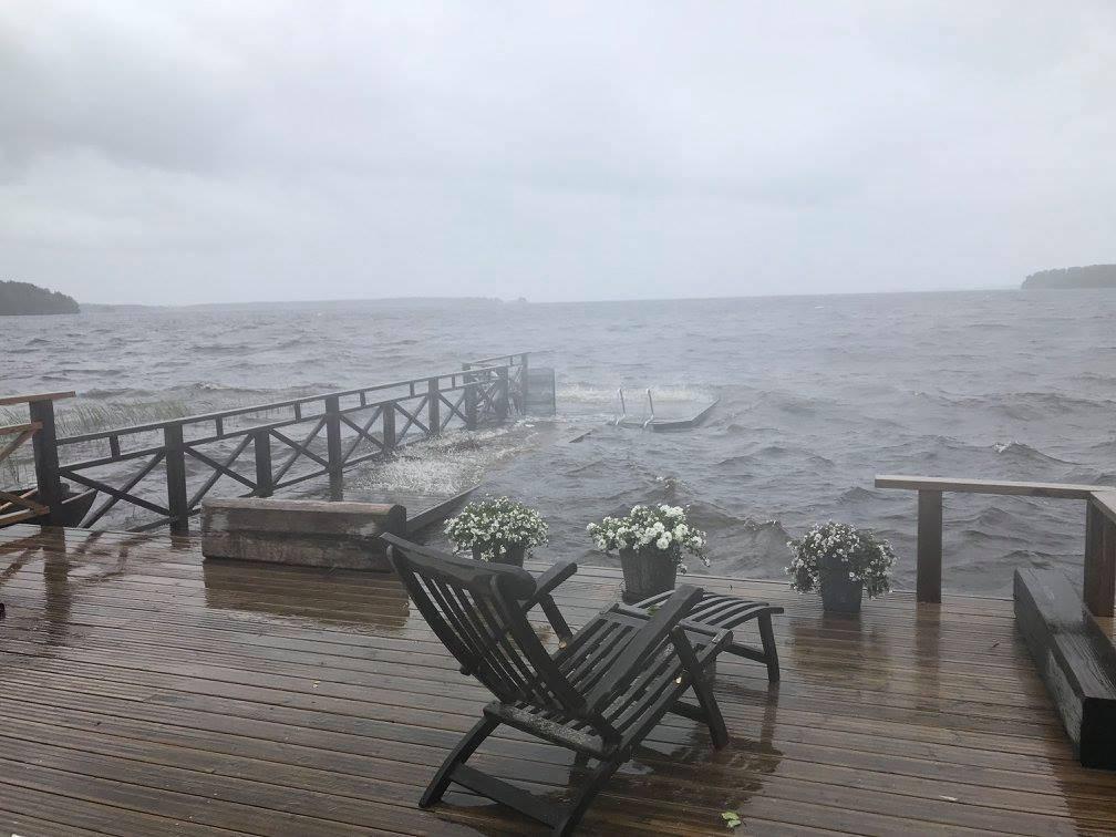 rantavilla-laituri-myrsky