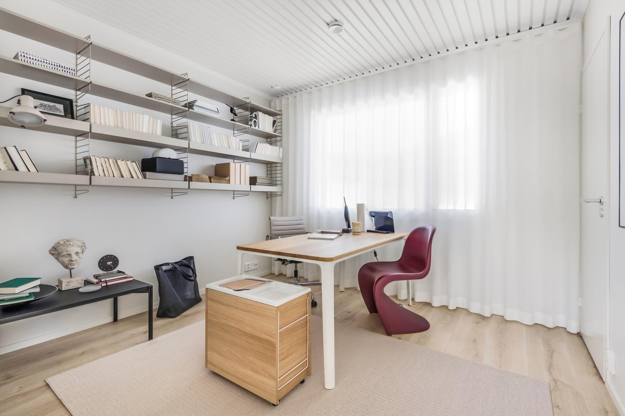 kannustalon-suomi-messutalo-2021-tyohuone